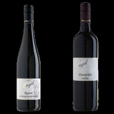 zwei Rotweinflaschen